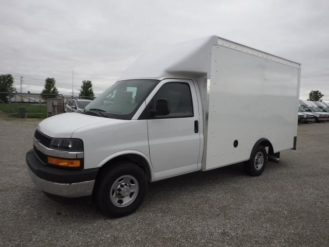 2019 Chevrolet Express 3500 4x2, Rockport Cutaway Van #4259691 - photo 1