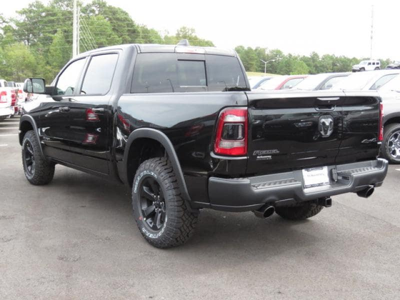 2020 Ram 1500 Crew Cab 4x4, Pickup #R169032 - photo 1