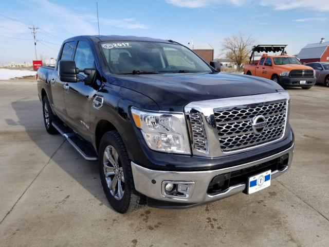 2017 Nissan Titan Crew Cab 4x4, Pickup #C0809A - photo 1