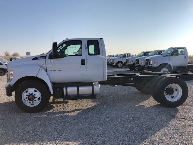 2019 Ford F-750 Super Cab DRW 4x2, Cab Chassis #FE175378 - photo 3
