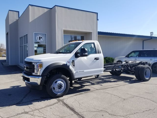 2019 F-550 Regular Cab DRW 4x4, Cab Chassis #FE176038 - photo 1