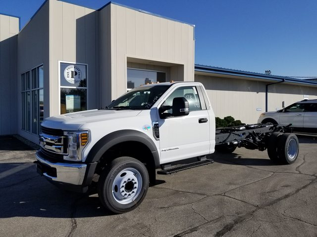 2019 F-550 Regular Cab DRW 4x2, Cab Chassis #FE194817 - photo 1