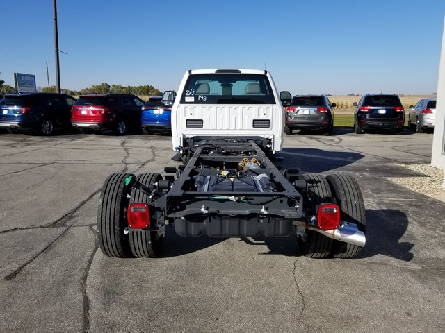 2019 F-550 Regular Cab DRW 4x2, Cab Chassis #FE194817 - photo 4