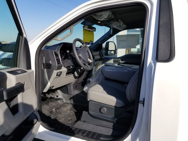 2019 F-550 Regular Cab DRW 4x2, Cab Chassis #FE194817 - photo 5