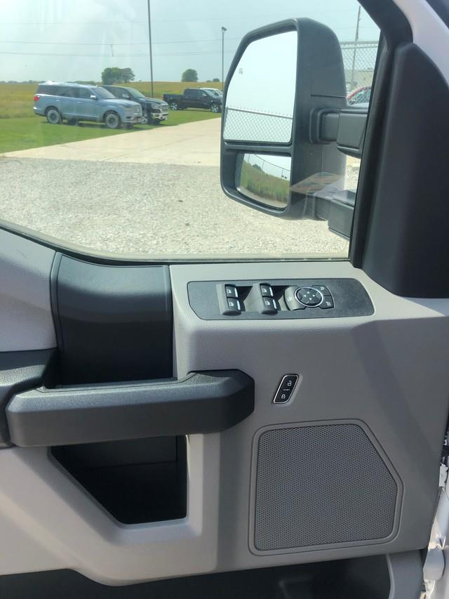 2019 Ford F-550 Crew Cab DRW 4x4, Cab Chassis #FE204382 - photo 5