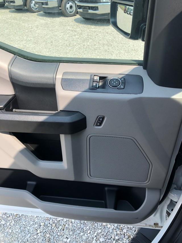 2019 Ford F-550 Regular Cab DRW RWD, Cab Chassis #FE204452 - photo 5