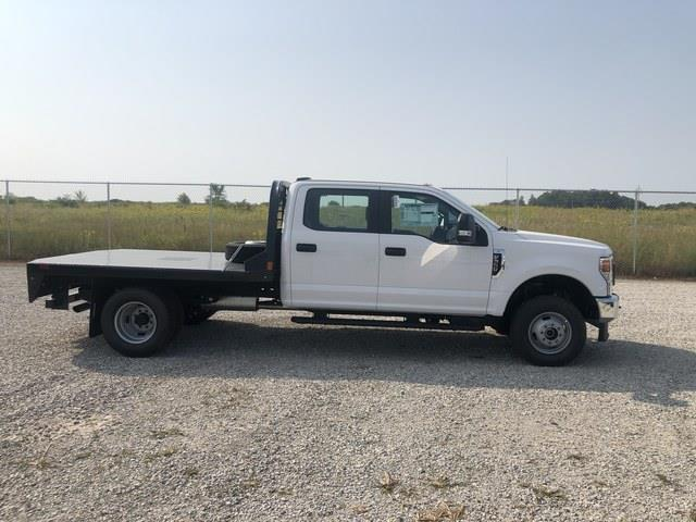 2020 Ford F-350 Crew Cab DRW 4x4, CM Truck Beds RD Model Platform Body #FE204670 - photo 4