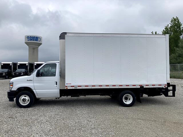 2021 E-450 4x2,  Morgan Truck Body Parcel Aluminum Cutaway Van #FE205256 - photo 3