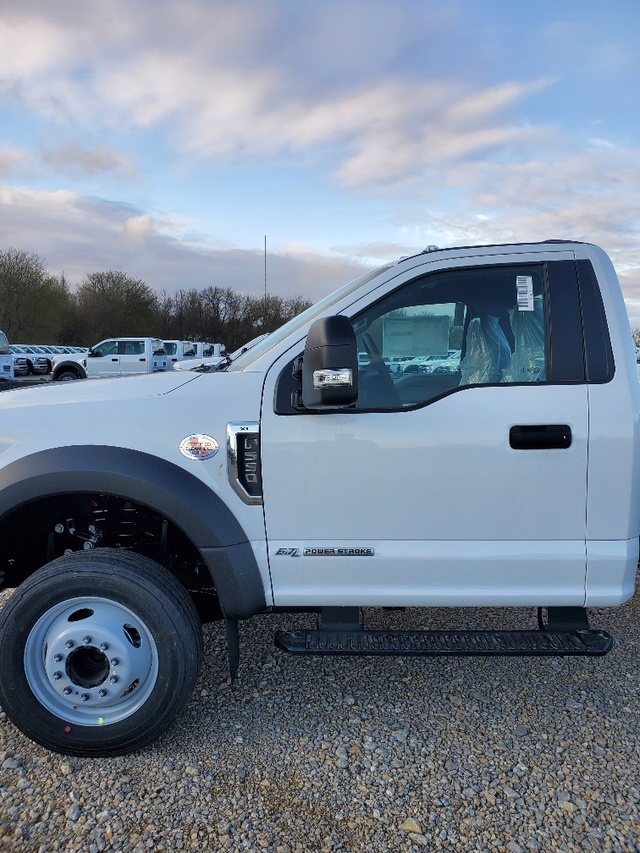 2019 Ford F-550 Regular Cab DRW RWD, Cab Chassis #FP180153A - photo 3