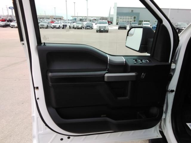 2017 Ford F-150 SuperCrew Cab 4x4, Pickup #LU2746 - photo 25