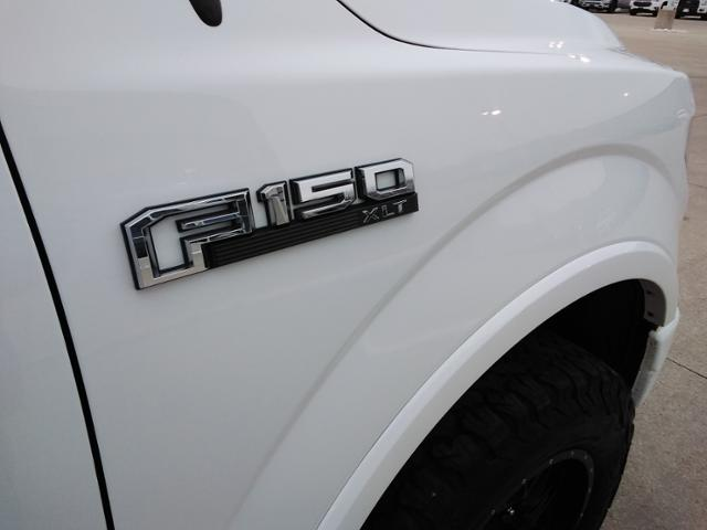 2017 Ford F-150 SuperCrew Cab 4x4, Pickup #LU2746 - photo 9