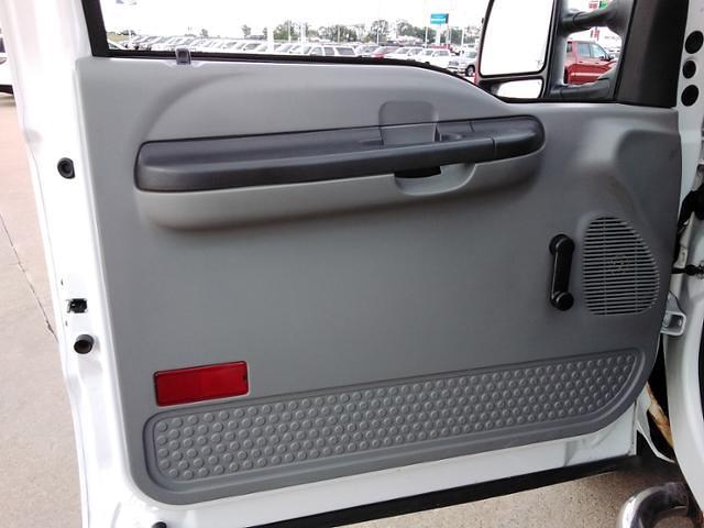 2006 Ford F-350 Regular Cab DRW 4x4, Pickup #LU5034 - photo 15