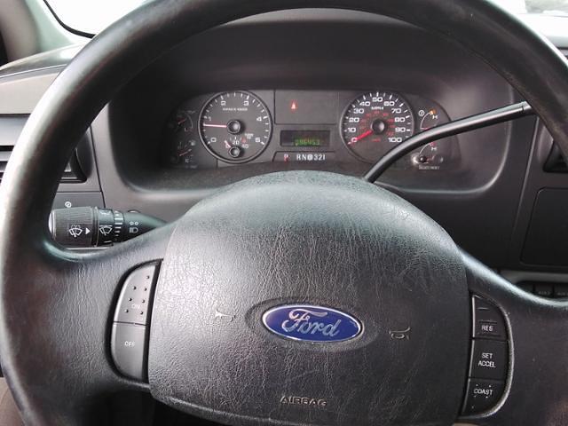 2006 Ford F-350 Regular Cab DRW 4x4, Pickup #LU5034 - photo 17
