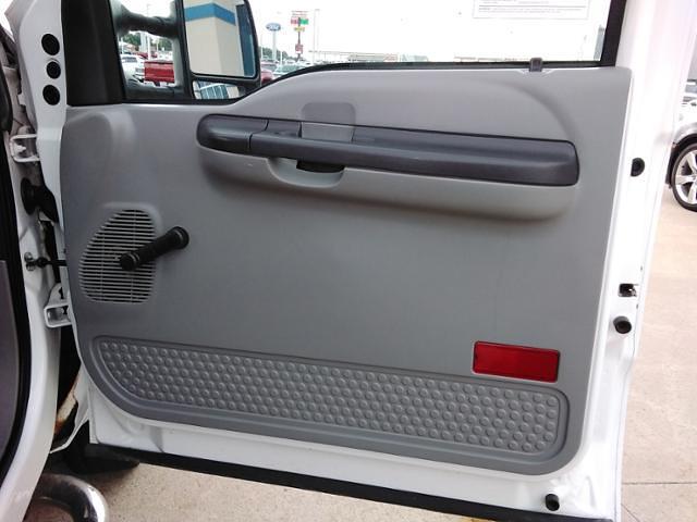 2006 Ford F-350 Regular Cab DRW 4x4, Pickup #LU5034 - photo 9