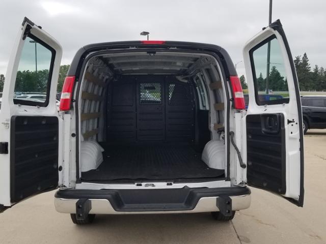 2019 GMC Savana 2500 RWD, Empty Cargo Van #RP21 - photo 2