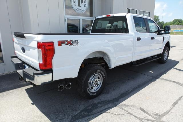 2019 Ford F-250 Crew Cab 4x4, Pickup #RP39 - photo 1