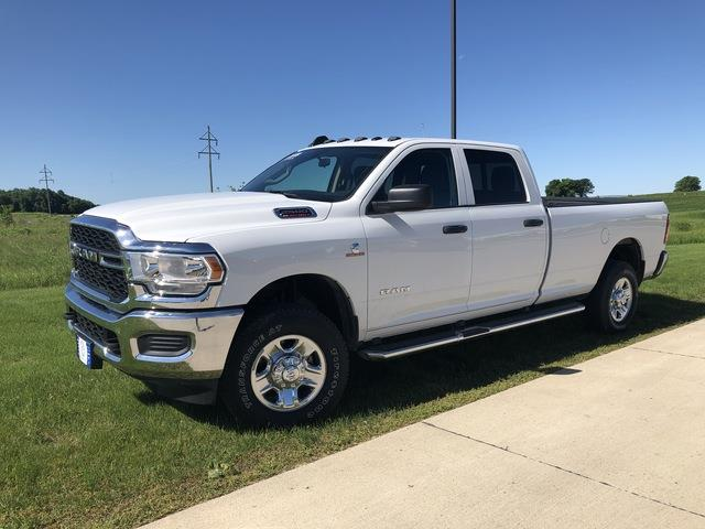 2019 Ram 2500 Crew Cab 4x4, Pickup #C0491 - photo 4