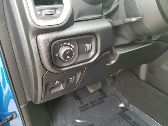 2021 Ram 1500 Crew Cab 4x4, Pickup #C0785 - photo 12