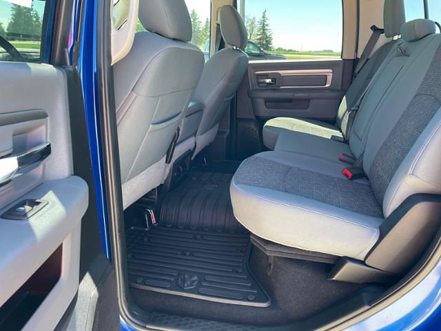 2018 Ram 1500 Crew Cab 4x4, Pickup #C0946 - photo 19