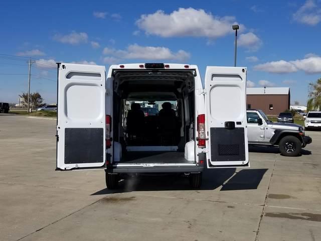 2018 ProMaster 2500 High Roof FWD, Empty Cargo Van #FE175923 - photo 2