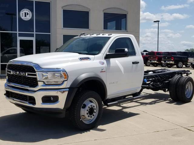 2019 Ram 5500 Regular Cab DRW 4x4, Cab Chassis #FE194690 - photo 1