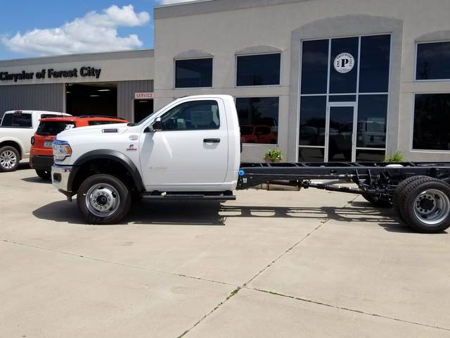 2019 Ram 5500 Regular Cab DRW 4x2, Cab Chassis #FE194733 - photo 3