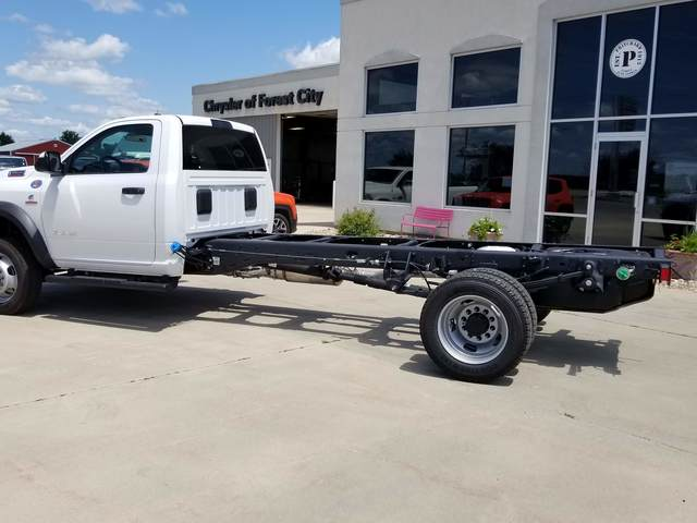 2019 Ram 5500 Regular Cab DRW 4x2, Cab Chassis #FE194733 - photo 2