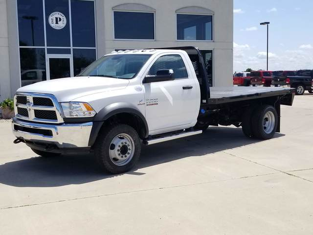 2018 Ram 5500 Regular Cab DRW 4x4, Platform Body #FE195032 - photo 1