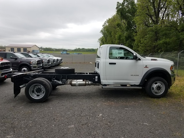 2019 Ram 5500 Regular Cab DRW 4x4, Cab Chassis #FH196101 - photo 3