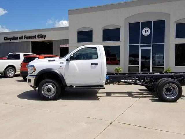 2019 Ram 5500 Regular Cab DRW RWD, Cab Chassis #FP190359A - photo 3