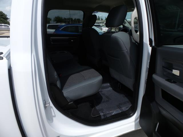 2019 Ram 1500 Crew Cab 4x4, Pickup #G1269 - photo 26