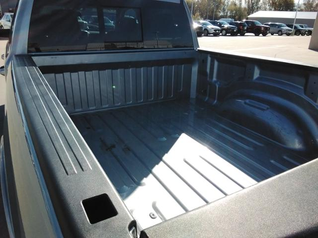 2020 Ram 1500 Crew Cab 4x4, Pickup #LU2586 - photo 17
