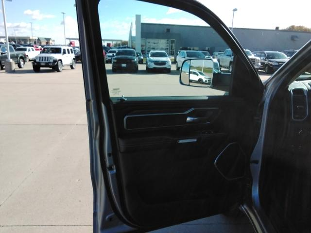 2020 Ram 1500 Crew Cab 4x4, Pickup #LU2586 - photo 22