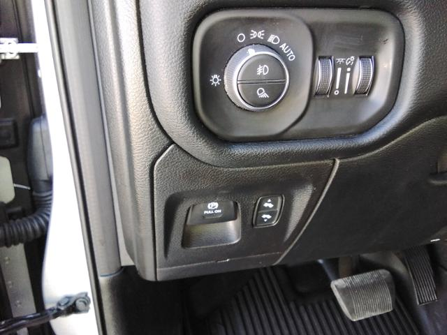2020 Ram 1500 Crew Cab 4x4, Pickup #LU2586 - photo 32