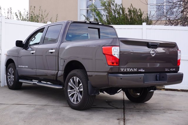 2018 Nissan Titan Crew Cab 4x4, Pickup #T29417A - photo 1