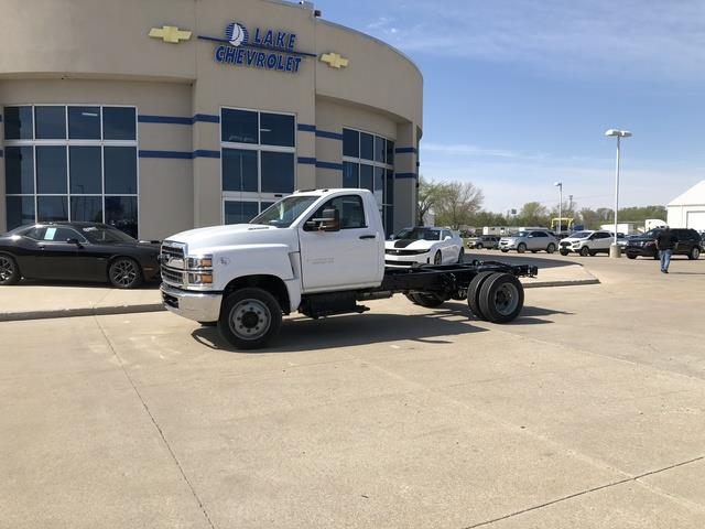 2019 Chevrolet Silverado Medium Duty Regular Cab DRW 4x2, Cab Chassis #FP190345A - photo 1