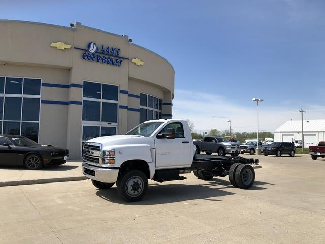 2019 Chevrolet Silverado Medium Duty Crew Cab DRW 4x4, Cab Chassis #FP190349A - photo 1
