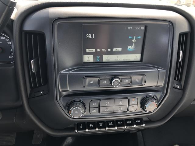 2019 Chevrolet Silverado Medium Duty Crew Cab DRW 4x4, Cab Chassis #FP190349A - photo 13