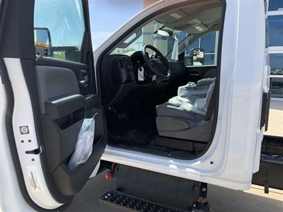 2019 Chevrolet Silverado Medium Duty Crew Cab DRW 4x4, Cab Chassis #FP190349A - photo 7