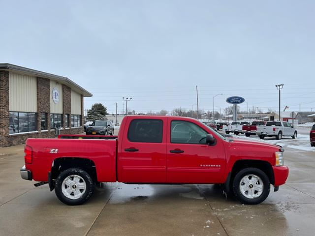 2010 Chevrolet Silverado 1500 Crew Cab 4x4, Pickup #G1286C - photo 4