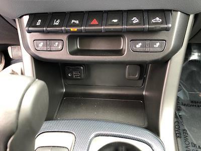 2021 Chevrolet Colorado Crew Cab 4x4, Pickup #J656 - photo 16