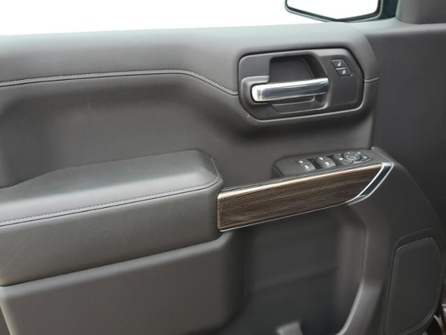 2020 Chevrolet Silverado 1500 Crew Cab 4x4, Pickup #LN1318 - photo 28