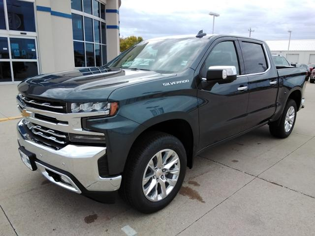2020 Chevrolet Silverado 1500 Crew Cab 4x4, Pickup #LN1389 - photo 4