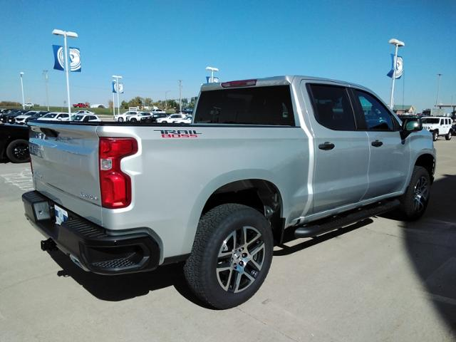 2020 Chevrolet Silverado 1500 Crew Cab 4x4, Pickup #LN1404 - photo 2
