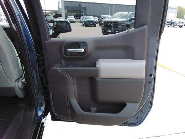 2021 Chevrolet Silverado 1500 Crew Cab 4x4, Pickup #LN1557 - photo 12