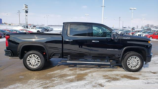 2020 Chevrolet Silverado 2500 Crew Cab 4x4, Pickup #LU2904 - photo 3