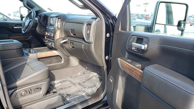 2020 Chevrolet Silverado 2500 Crew Cab 4x4, Pickup #LU2904 - photo 40