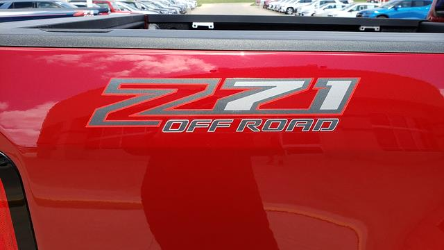 2021 Chevrolet Colorado Crew Cab 4x4, Pickup #LU3004 - photo 40