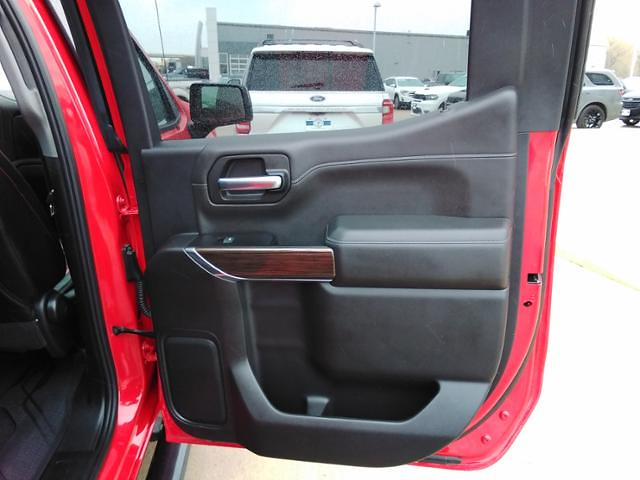2019 Chevrolet Silverado 1500 Crew Cab 4x4, Pickup #LU3048 - photo 12