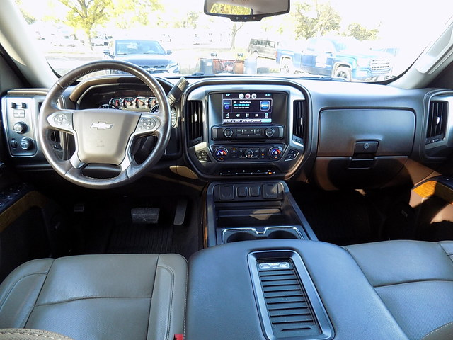 2016 Silverado 1500 Crew Cab 4x4, Pickup #U1481A - photo 3